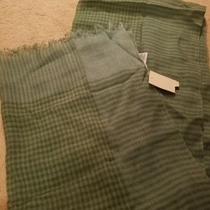 Coldwater Creek New Green checkered scarf